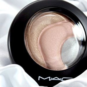 """Mac """"otherearthly"""" highlighter"""